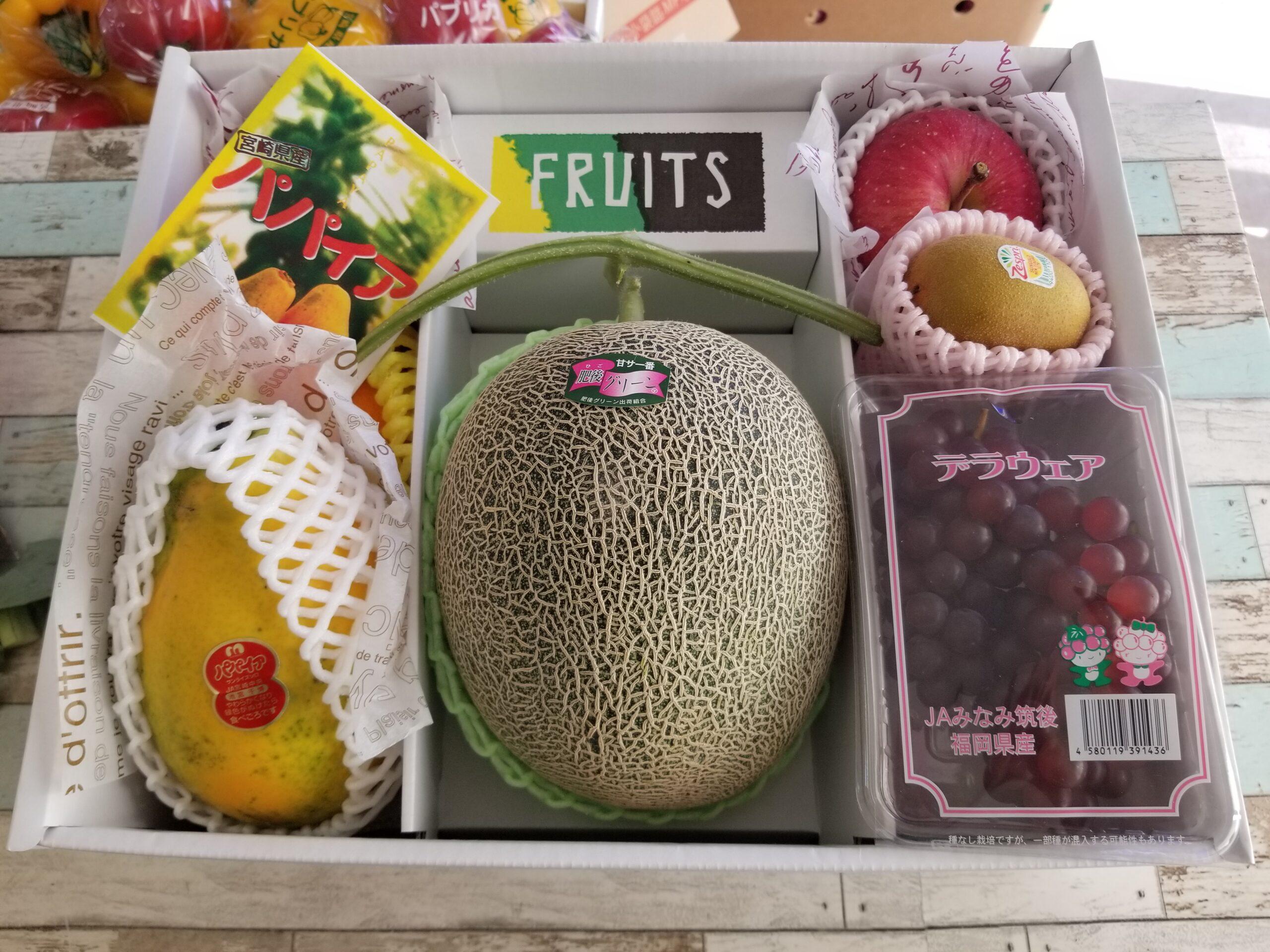 旬の詰め合わせ 肥後グリ-ンメロン、デラウエア、パパイヤ、清美オレンジ、りんご